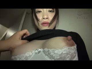 超厳選!乳首オナニーエロ動画☆ - デカ乳首美少女にカメラの前で自分で乳首を引っ張らせてベロを指で摘んで羞恥責めするグウシコシーン!