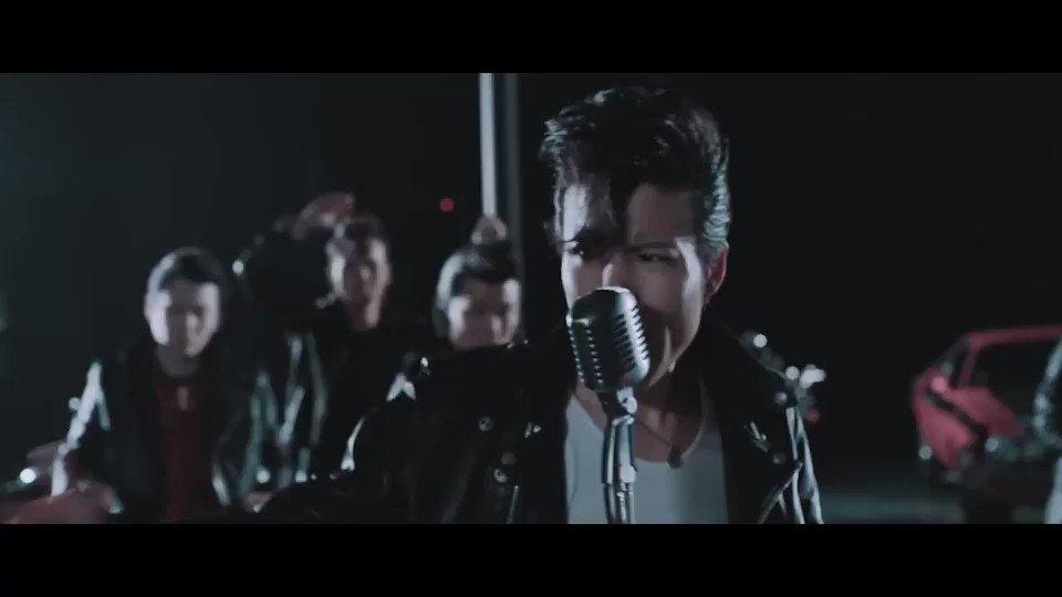 ROCK ME BABY (English version)のNew MVがついに公開!!  ロックンロールを楽しむことなんて決して難しいことじゃない。人生っていう短いストーリーを楽しむ権利は誰にだってあるんだ。つまりこのMVの主役はキミってこと。踊ろうゼ!俺たちと。  https://youtu.be/YZ4me4ypqYM