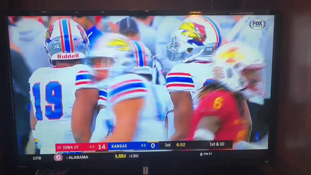 Two @TravisFootball Alum on opposite sides today! Thanks @FOXSports for the coverage on @StevenSimsJr and @410Keem! Proud of these two Tigers!!