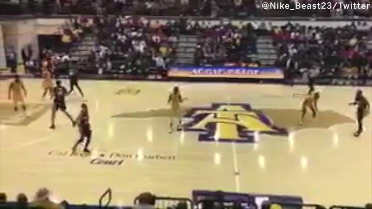 The cross at half court ��    Then the SLAM #SCtop10 (via @Nike_Beast23) https://t.co/ERG5XTfEqj