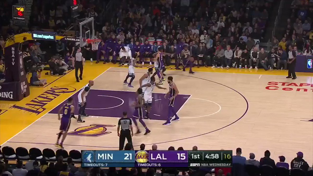 Emphatic finish by LeBron! https://t.co/6qgcPaSaYW