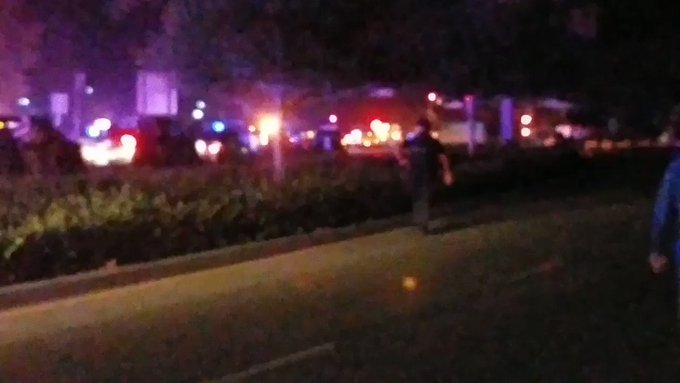 At least 11 injured in shooting at bar in Thousand Oaks, California 2HZb-c-RJGp973p5?format=jpg&name=small