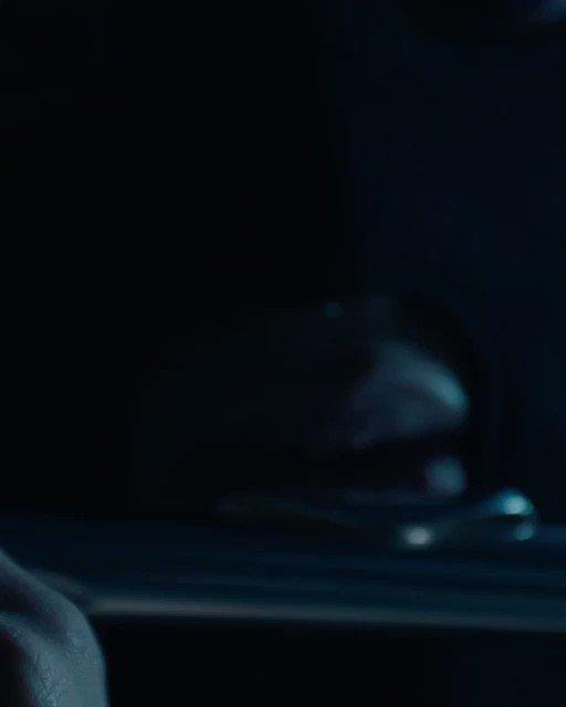 """Le nouveau clip #HASARD de @general_mactyer sera dispo DEMAIN à 16H 📽 Le titre sera dispo sur les plateformes ce soir à MINUIT 🎧 Nouvel album """"C'est la street mon pote"""" sortie le 30 novembre 💿"""