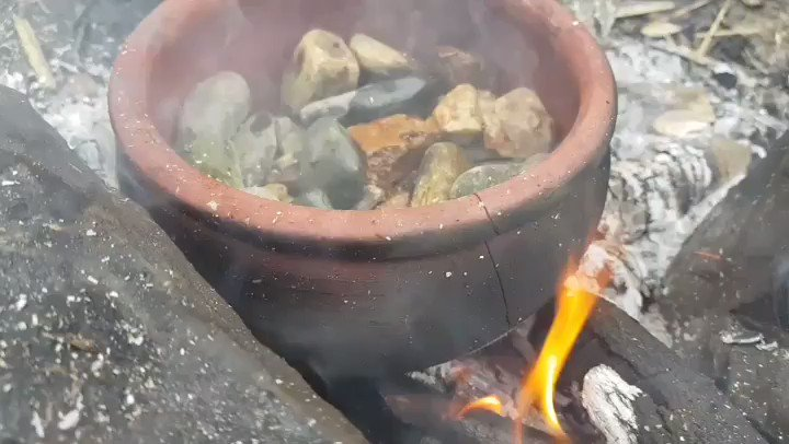 Strange dishes 😋 #forest #food #cooking #mountains #primitive #suvirval https://t.co/KSZ5x0yVac