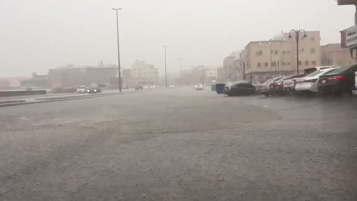 #فيديو🎥 الأمطار التي شهدتها محافظة #جدة اليوم ( الجمعة ) #امطار_جدة ⬇️ https://t.co/orhABtzOO5