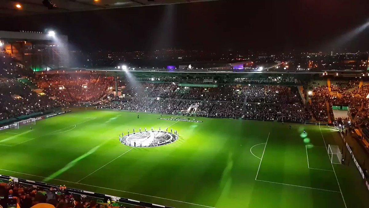 RT @MarcMcKeown1: @CelticFC light show #CELRBL #Celtic @RBLeipzig_EN @EuropaLeague #COYBIG #YNWA https://t.co/Plu5OzyOhL