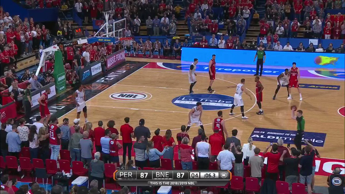 BRYCE HAS ICE IN HIS VEINS ❄  The CLUTCH 3 gives the @PerthWildcats the HUGE #NBL19 win 🙀  #BNEatPER https://t.co/dhB1bNbvfQ