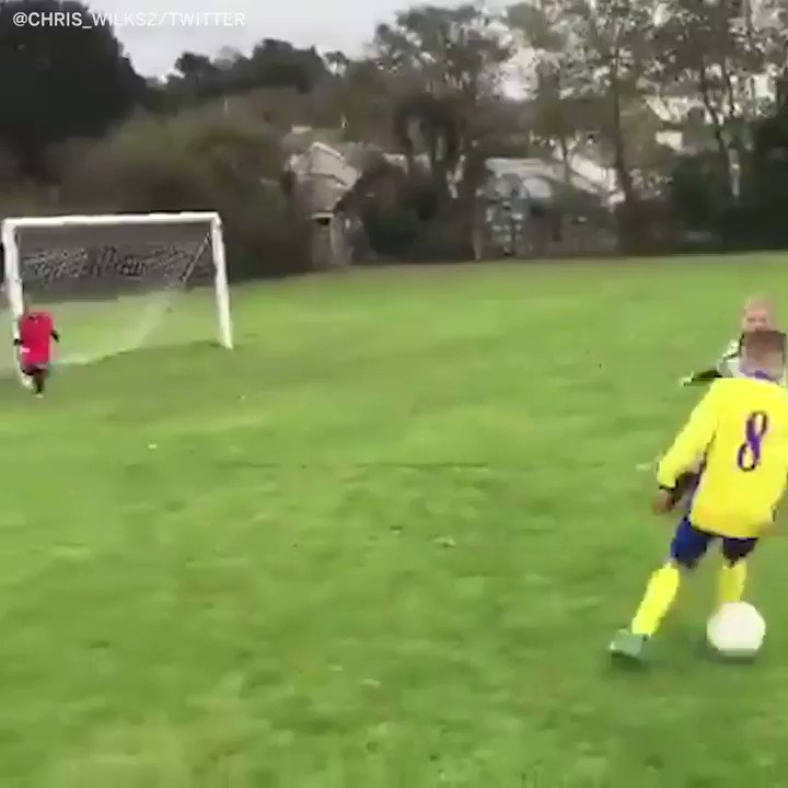 This dad is the real MVP ������ (via @chris_wilks2) https://t.co/UDnIJKfv05