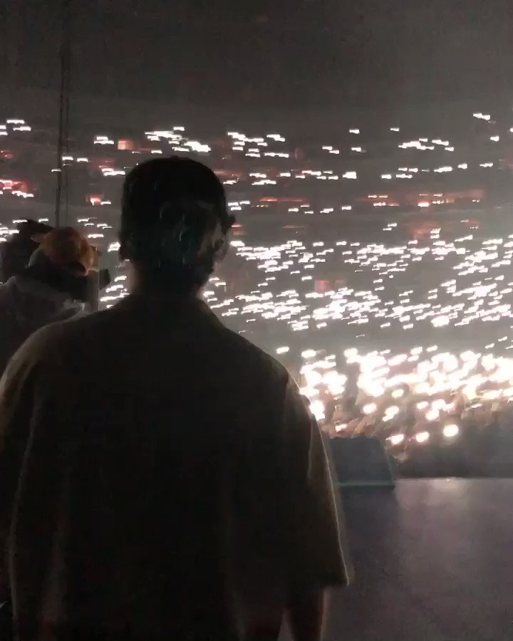 STAPLES CENTER SOLD OUT 13,000 PEOPLE WHAT THE FUCKING FUCK REAL LIFE > INTERNET