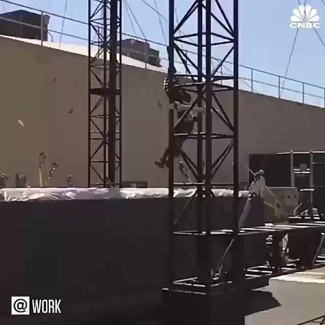 Stunt #Robot could put stunt doubles out of a job. #ai #machinelearning #BigData #IoT @HaroldSinnott @_SChmielewski @Ronald_vanLoon @evankirstel @MikeQuindazzi @ZoeGeop @kashthefuturist @Kipterewalla