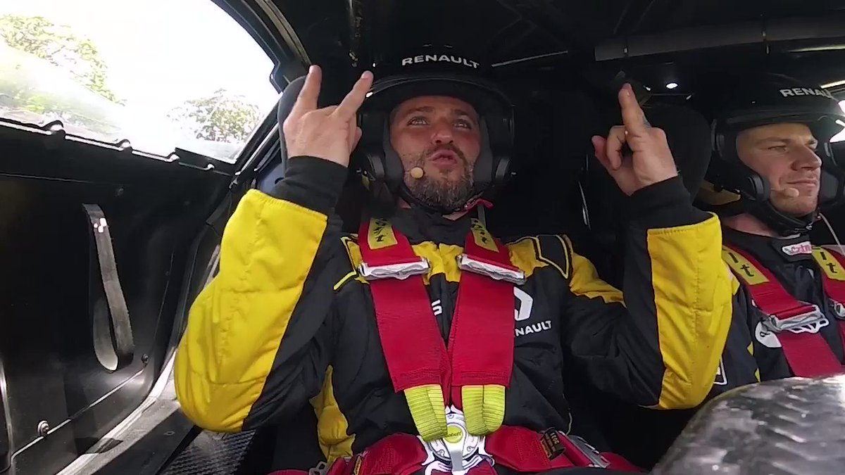 What a legend! @brunogagliasso takes on 'air driving'* while being raced around @InterlagosTrack by our very own @HulkHulkenberg!  #RSspirit #BrazilGP #MondayMotivation
