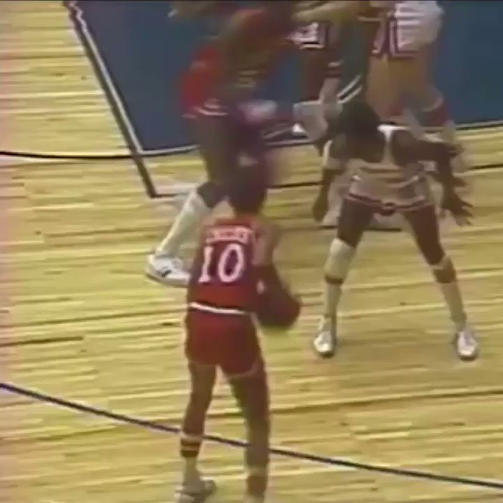 39 years ago today, Darryl Dawkins shattered his first backboard, introducing the NBA to Chocolate Thunder. https://t.co/ywUonY5Qyh