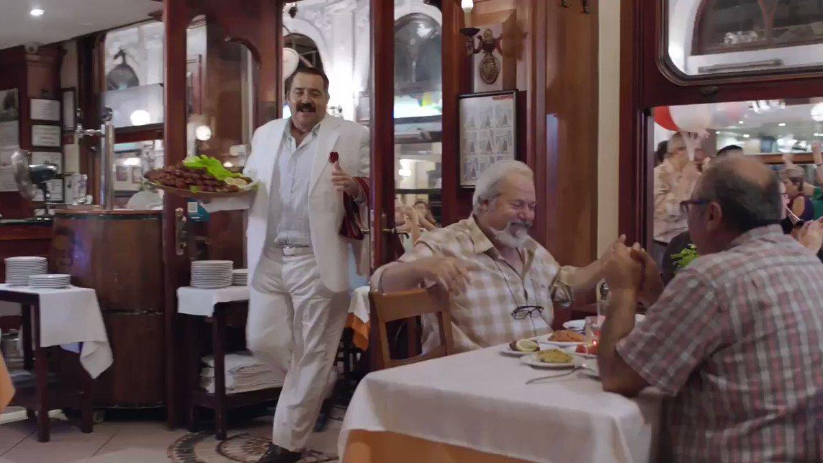 Etsiz çiğ köfte, şarkısız film olur mu? Gülmek, oynamak garanti: Kaldı 17 gün 😎 #HedefimSensin 30 Kasım'da sinemalarda!