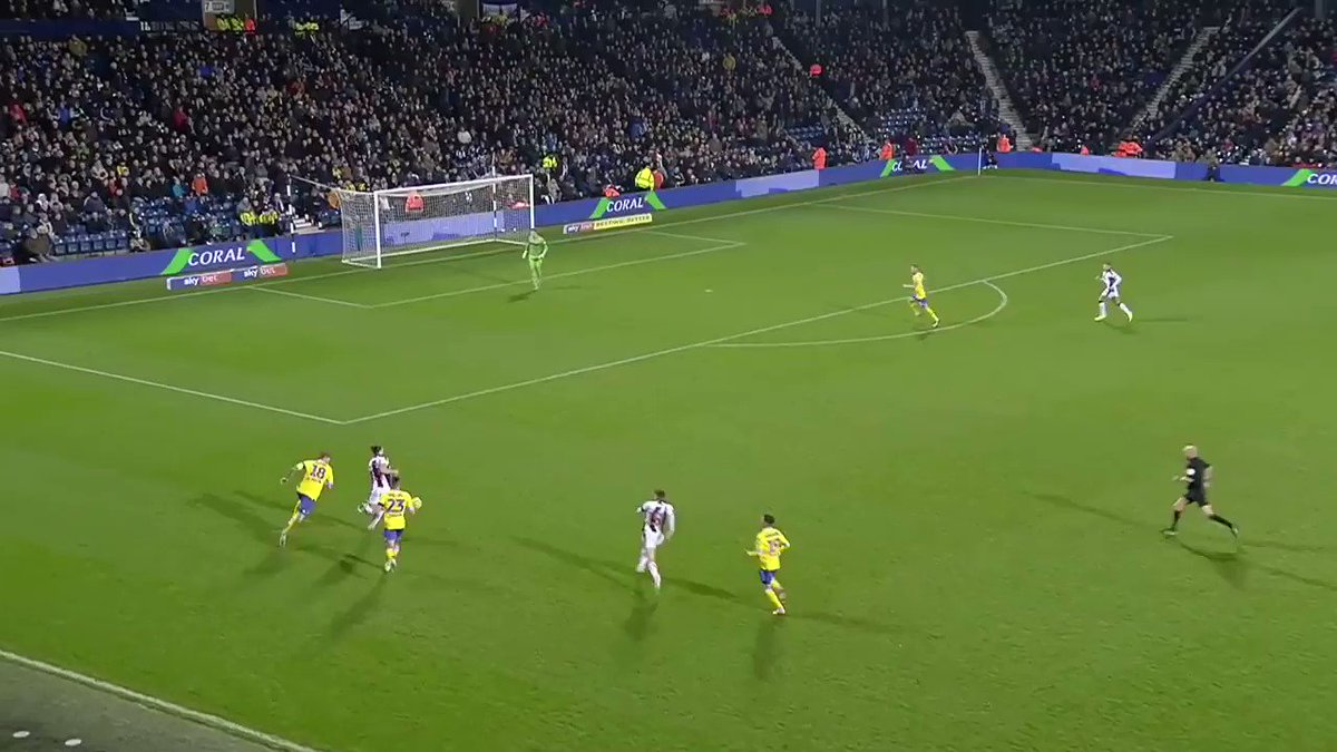 Hows this for improvisation? Back to goal 🤷🏻♂️ No problem for @dwightgayle 🤙🏼 #WBA