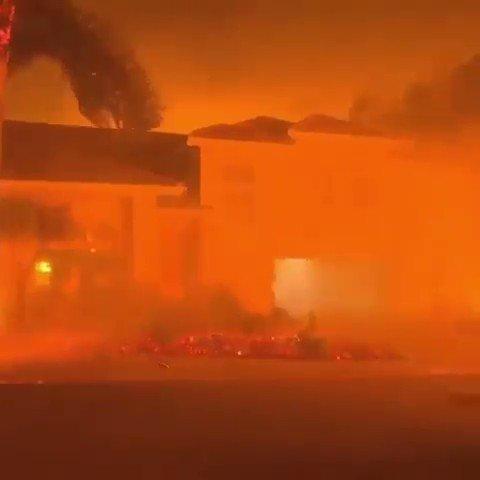 RT @CirculoGloBal_I: Dentro del fuego, #Malibú, #California... https://t.co/1PYtnz448x