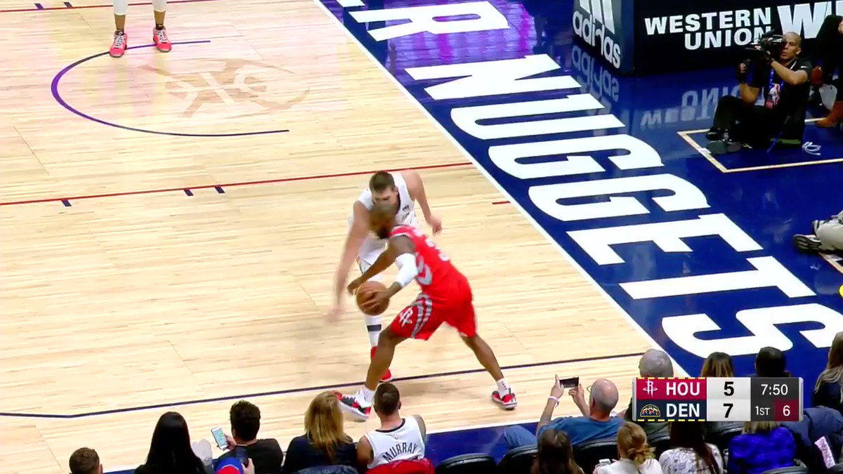 Chris Paul has the ball on a string. #Rockets https://t.co/k9dHVXQh0C