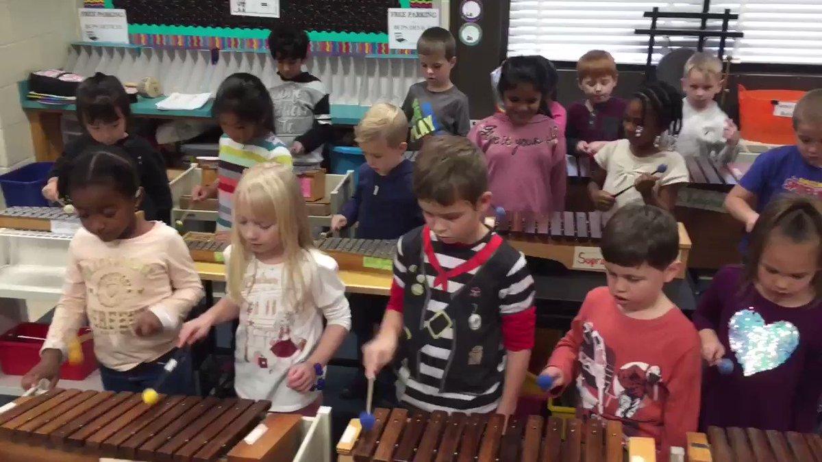 Image for the Tweet beginning: Kindergarteners explore the barred instruments
