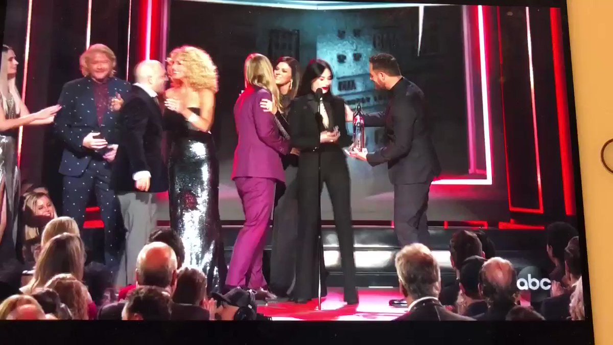 Kacey Musgraves Proves Mainstream Nashville Wrong with Major C.M.A.s Win