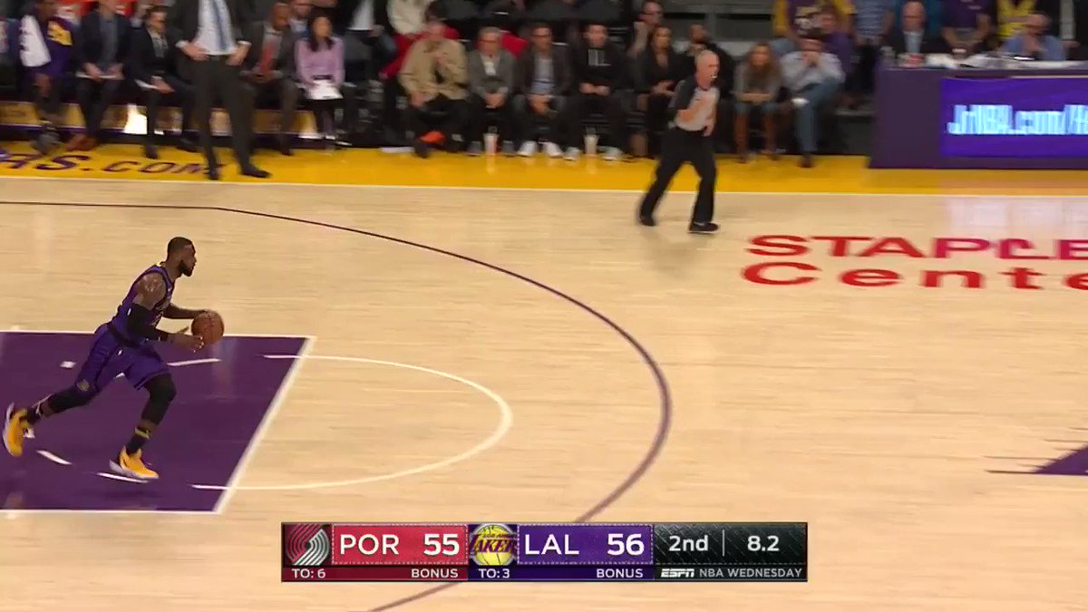 4-4 from deep for King James! ��  #LakeShow @ESPNNBA https://t.co/vLe9jFGMrF