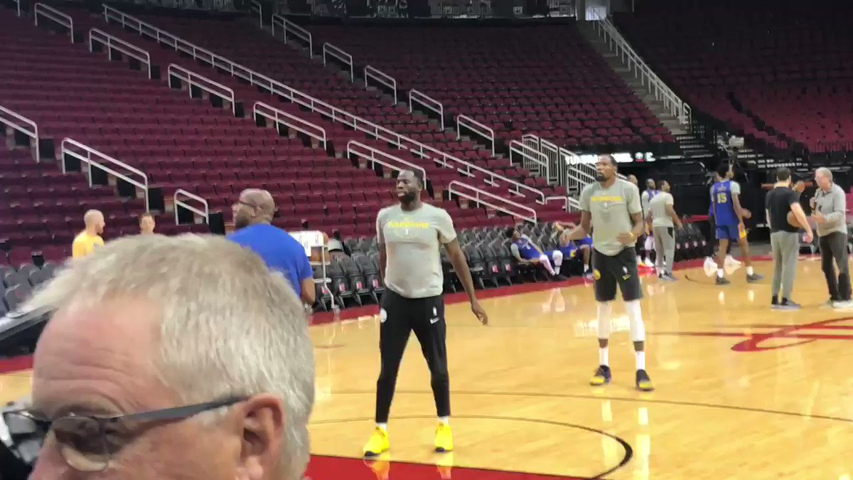 Watch: Draymond Green and Kevin Durant share basket during shootaround
