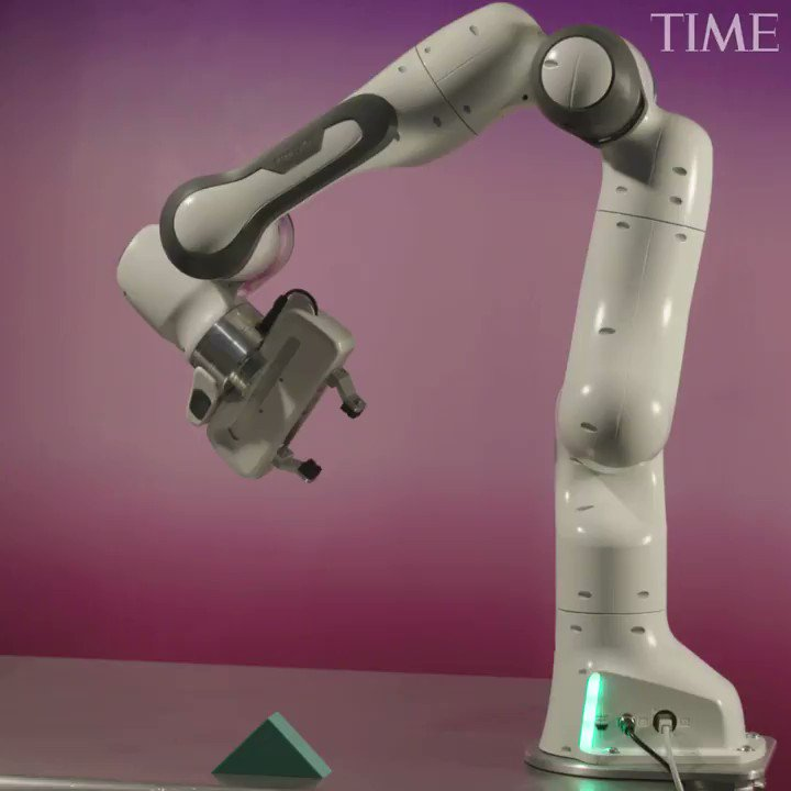 This easy-to-program robotic arm is one of TIME's 50 best inventions of 2018 http://mag.time.com/xNo03hc