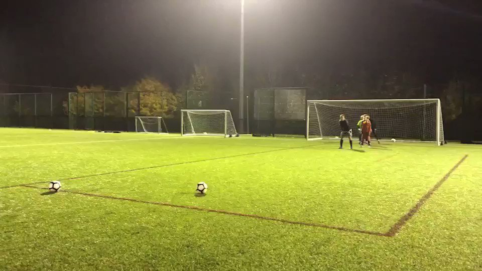 Our youth @bufcacademy GK's reactions being tested tonight by GK coach @nicholasgrove. The boys making some quality saves! #BUFC #Goalkeepers #Gksaves #GkUnion