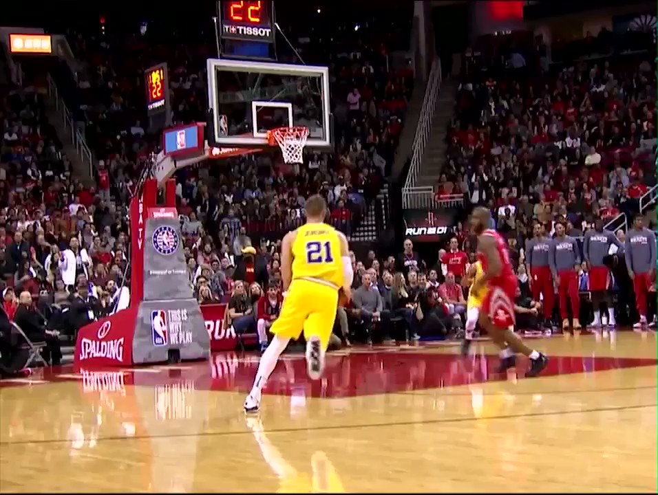 Chris Paul and the Rockets had a blast crushing the Warriors 😄 https://t.co/gQiNLmHoTW