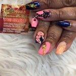 nails_she