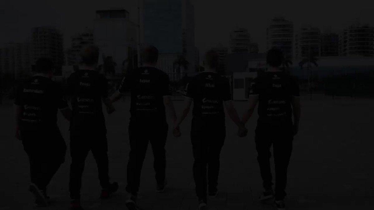 Image for the Tweet beginning: Team spirit! @G2esports