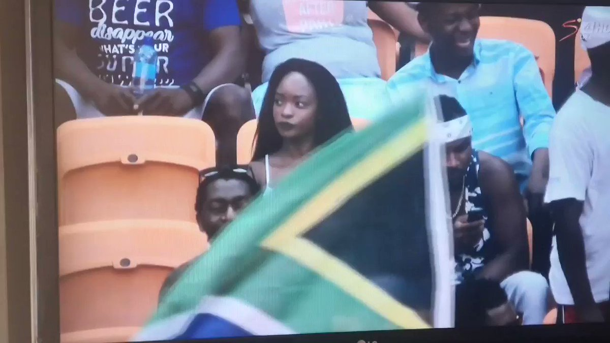 Omg this is sending me. His reaction 😭😭😂 #AFCON2019