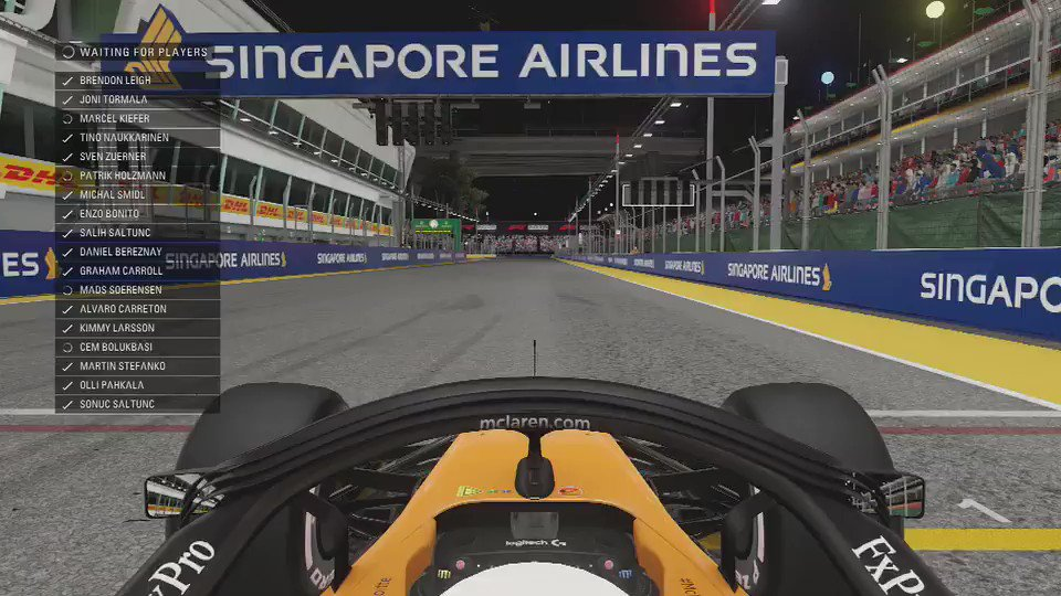 We kicked off the evening with the #SingaporeGP, which saw @EnzoBonito17 start on pole. 👊 #F1Esports #McLarenShadow