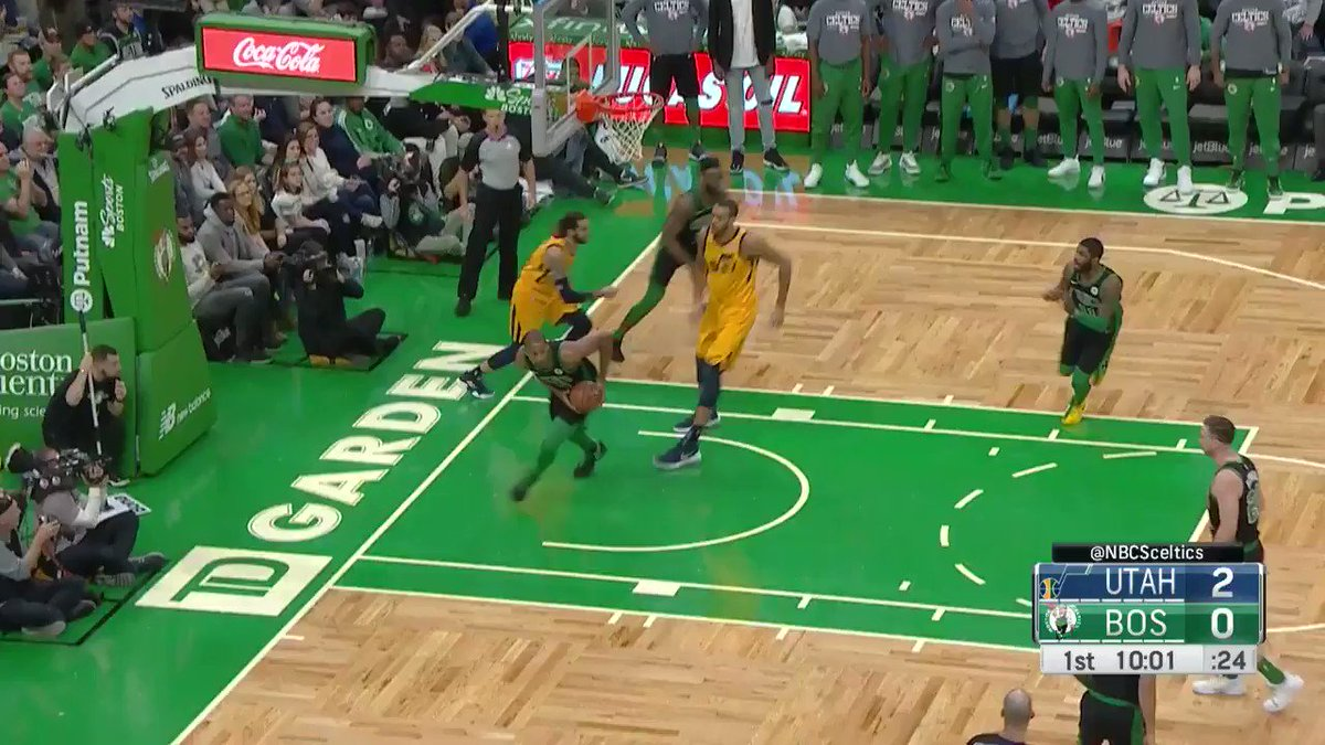 Kyrie dazzles on his way to the cup!  7-2 @celtics start on @NBATV.  #CUsRise x #TeamIsEverything https://t.co/pNUmq6WUGA