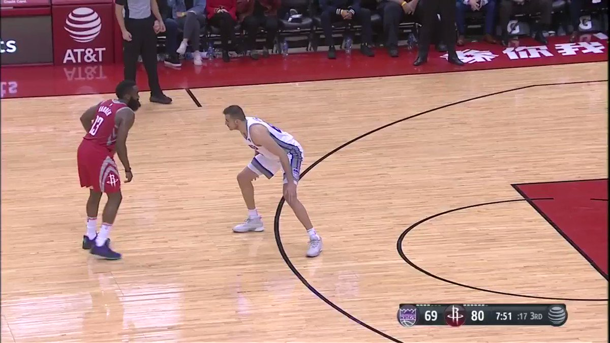3-Pointer from the MVP!   @JHarden13 | #RunAsOne �� https://t.co/WyrCsnbSJR