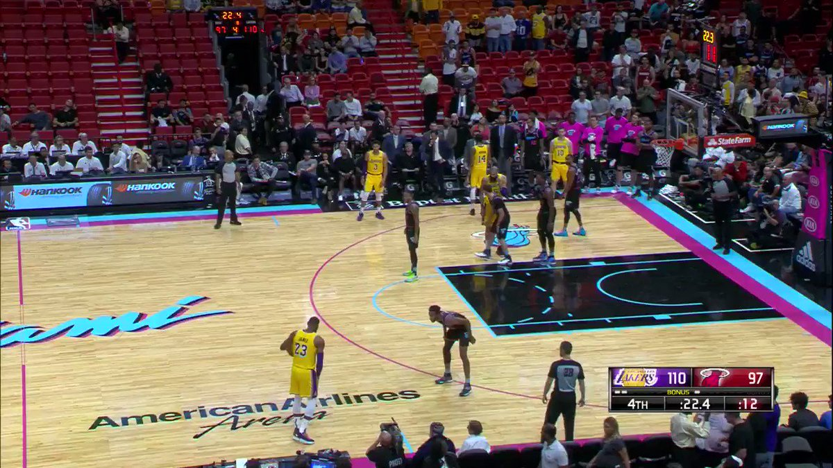 'HE'S GOT IT... 51!'  King James scores his season-high 51 PTS in Miami! #LakeShow https://t.co/yvxB73YNP4