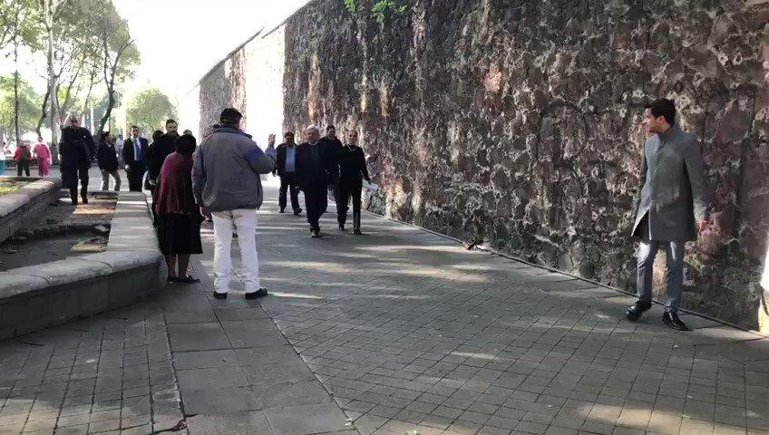 Encabezan @lopezobrador_, @BeatrizGMuller y @Claudiashein colocación de ofrenda floral para conmemorar la Revolución Mexicana y en memoria de Francisco I. Madero y José María Pino Suárez en Parque Alameda Ánfora