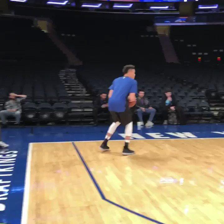 .@nyknicks rook Kevin Knox preps for tonight's action.  🏀: #NewYorkForever x #RipCity 📺: @NBATV  ⏰: 7:30pm/et