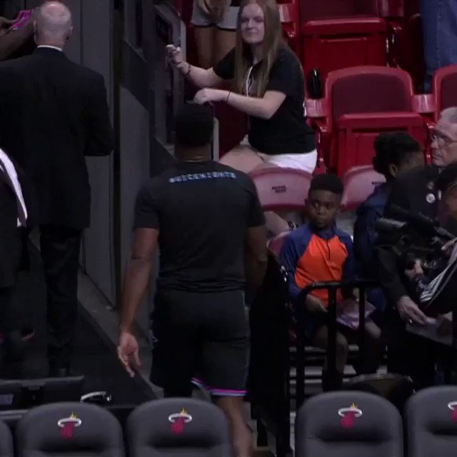 #OneLastDance for the fans. #ThisIsWhyWePlay https://t.co/J25cozVNYR