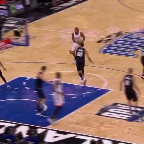 KAWHI HESI. #WeTheNorth  ��: #NBA League Pass https://t.co/LQc7bOJN8R