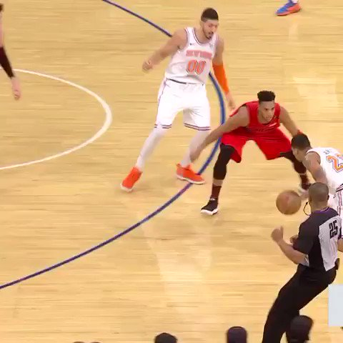 �� Trey Burke getting shifty! ��  He's got 12 PTS in the 4th. #NewYorkForever https://t.co/1QgofBlRsd