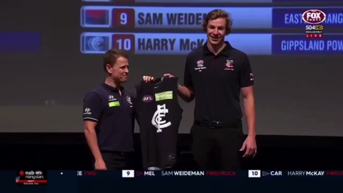 One bit of advice for tonight's draftees, don't leave your new coach hanging on stage 🤝🤝 #AFLDraft @CarltonFC