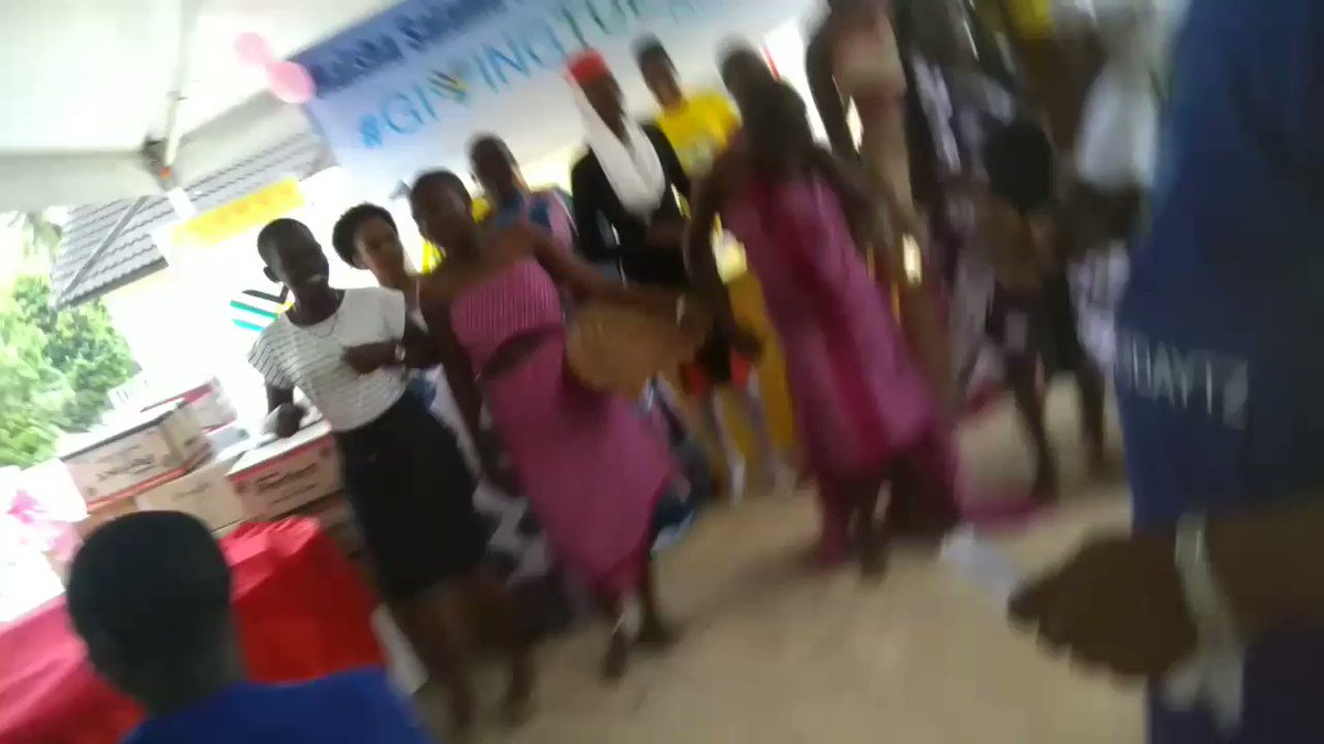 So much happiness going around this #GivingTuesdayTZ. Girls @newhopeforgirls dancing after a fashion show!  #GiveJoy @FCSTZ @geline_gee @MariaSTsehai @AdellaJanuary @JWandil @jr_masaki  #GivingTuesday