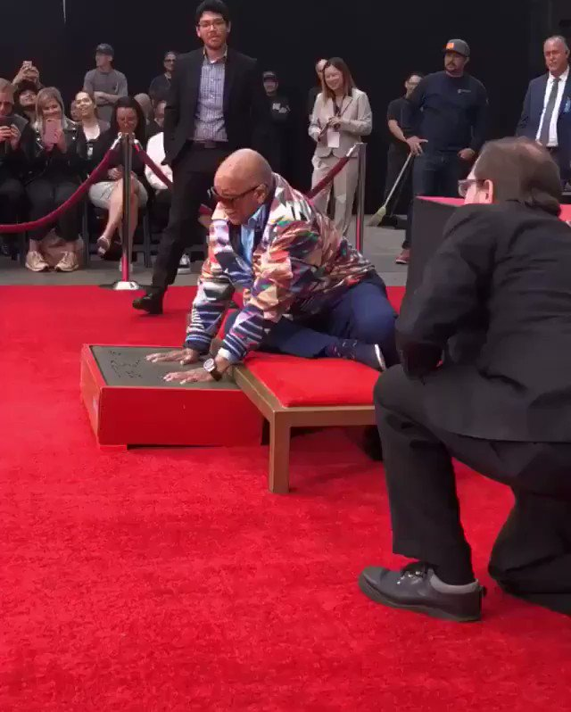 The great ICON @QuincyDJones was honored today in Hollywood with the TCL Chinese Theatre handprint ceremony. This is legendary 🐐🙌🏾 #BlackExcellence |🎥: @usher