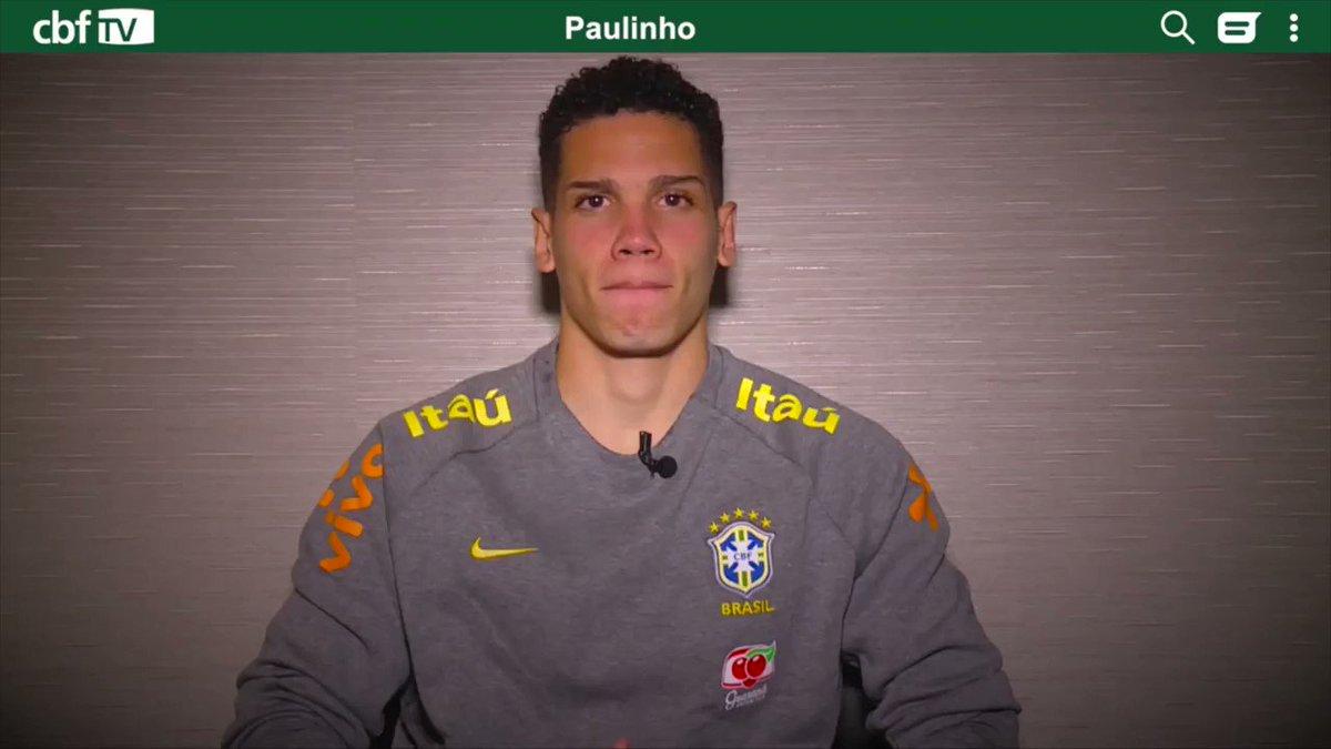 Chegou a vez do Paulinho no #DoisToques! Se liga em uma das perguntas que o atacante respondeu para a CBF TV.  Quer ver a versão completa? Só clicar >> https://www.youtube.com/watch?v=iv8UWVUp02s…