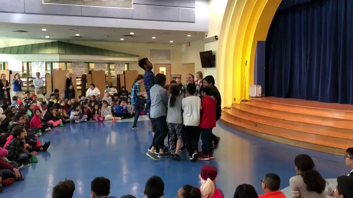 Carlin Springs students experiencing some new styles of dance this morning with <a target='_blank' href='http://twitter.com/jfranklindance'>@jfranklindance</a> !<a target='_blank' href='http://search.twitter.com/search?q=APSisAwesome'><a target='_blank' href='https://twitter.com/hashtag/APSisAwesome?src=hash'>#APSisAwesome</a></a> <a target='_blank' href='http://search.twitter.com/search?q=APSgetinvolved'><a target='_blank' href='https://twitter.com/hashtag/APSgetinvolved?src=hash'>#APSgetinvolved</a></a> <a target='_blank' href='https://t.co/vZBgMLwQTa'>https://t.co/vZBgMLwQTa</a>