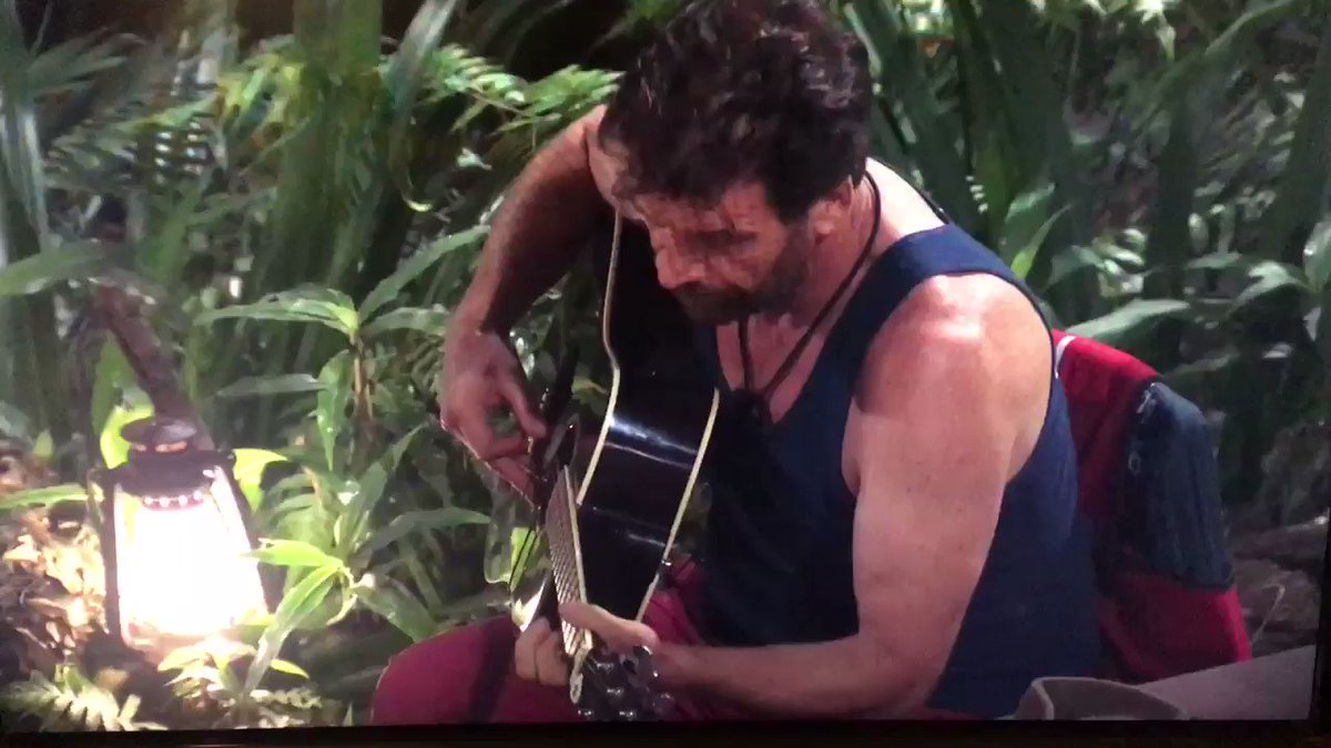 John Barrowman's review of Nick Knowles' guitar playing & singing is about the most savage thing I've seen on a reality show #ImACeleb