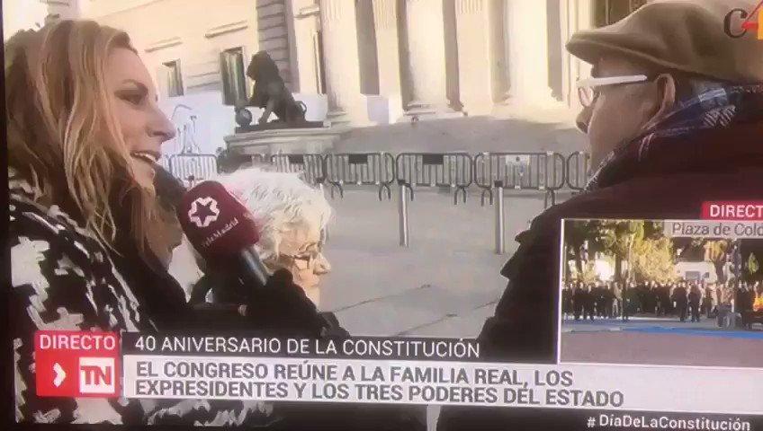 """""""Yo que he conocido las 2 dictaduras, la de Franco y esta"""" 😂😂👏🏼👏🏼  #40añosdeConstitución https://t.co/wZN5n8TjRO"""