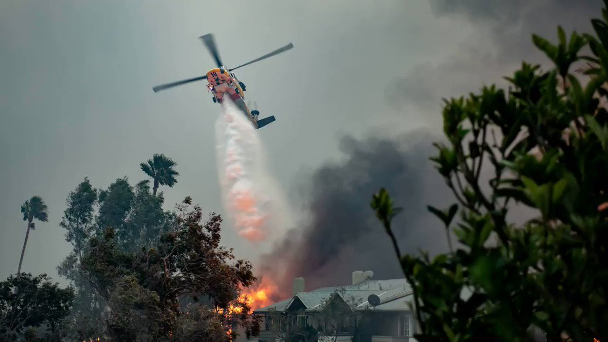 Image for the Tweet beginning: The #WoolseyFire started on November