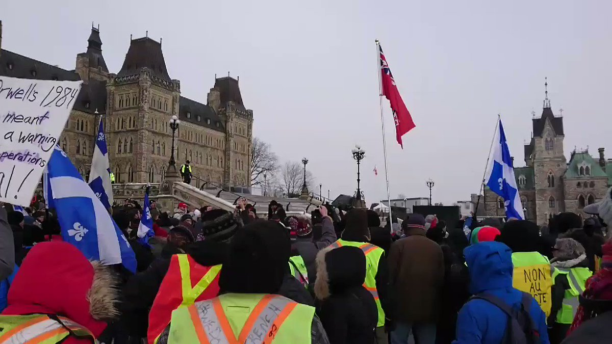 Patriots rally in front of Canadas Parliament to protest #UNMigrationCompact and protect our countrys border and sovereignty. Protesters chant No Trudeau, hes got to go! RT, RT, RT! You dont see this on #FakeNews #MSM #NoUNMigrationPact #UNCompact