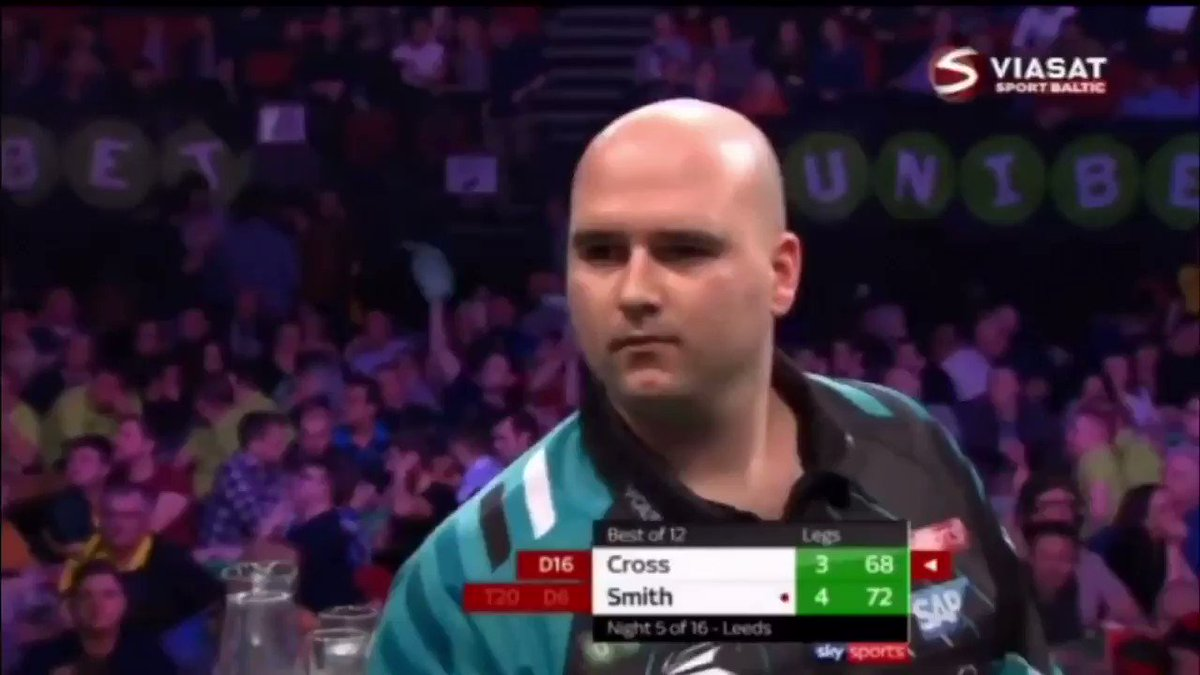 Premier League: Week 5, Leeds. Missed a crucial dart at D16...😱 Smith made it 5-3. Looked like Rob would get no points. Then, 4 LEGS IN A ROW happened. Incredible darts from Voltage. 🎯 #TheStoryOfRobCross 📖 #BestCrossMoments2018 #TeamCross⚡️
