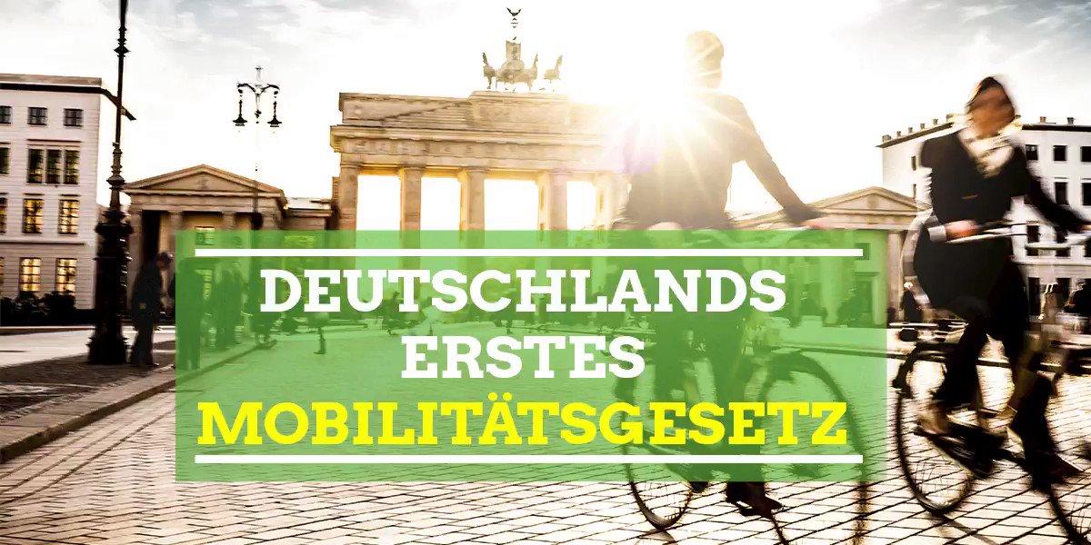 Image for the Tweet beginning: 2 Jahre R2G in Berlin!